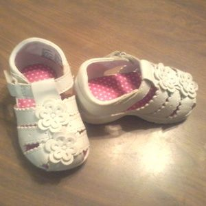 Garanimals infant size 3 shoes